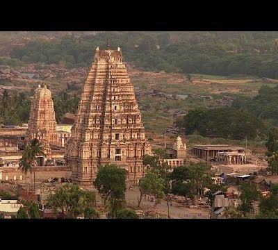 Die fraktale Architektur der Hindutempel und die des Buddhismus