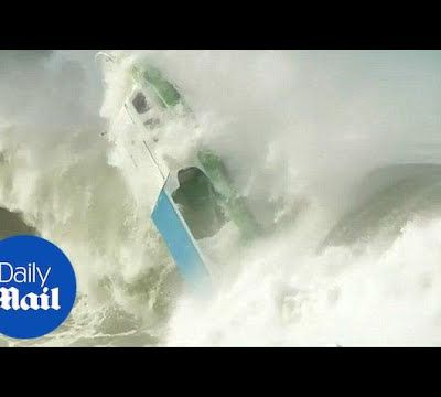 Video - a boat capsized by huge wave in Indonesia