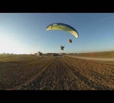 Vidéo en 360° de l'envol d' Olivia et Roland à la journée de treuil à Daubeuf la campagne