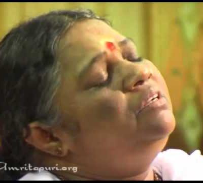 Vendredi 21Septembre : journée internationale de la paix, la force de la prière commune - Amma, Mata Amritanandamayi Devi singing Lokah Samastha Sukhino Bhavanthu