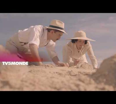 Stéphane Bern reçoit Anne Martinetti dans Secrets d'histoire ! Agatha Christie, l'étrange reine du crime