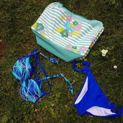 Costumi da bagno bikini sexy e costumi interi femminili