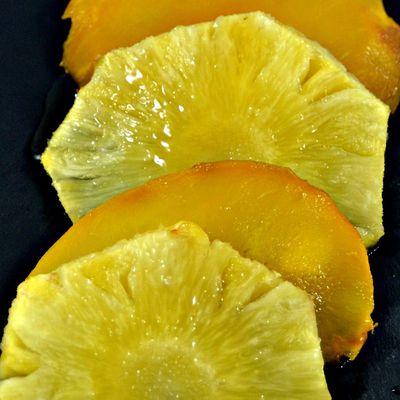 Ananas et mangue rôtis au miel et fleur d'oranger