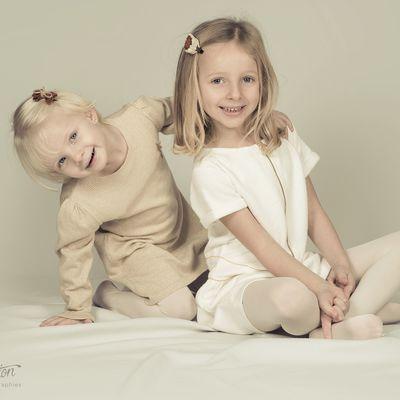 Zola et Anaé séance photo studio à domicile