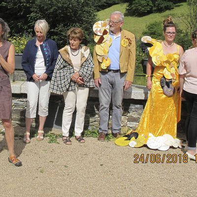 Week-end au Chateau de Lacaze II Défilé princesses aux ronds