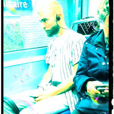"""Chroniques du métro: """"Sur un air de Justice"""" #music #justice"""