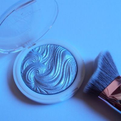 Ice Sparkle shimmer highlight powder de MUA