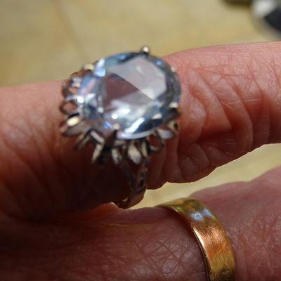 Lundi Soleil Bleu chez Bernieshoot, vieux bijoux