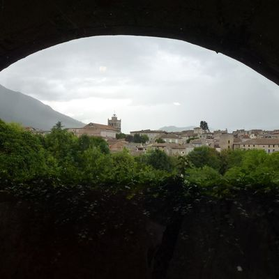 La Cathédrale Notre-Dame de Die (1) Balade dans la Drôme
