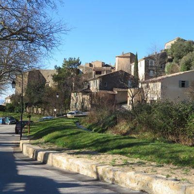 Le village de Vaugines (1) / Balade dans le Vaucluse