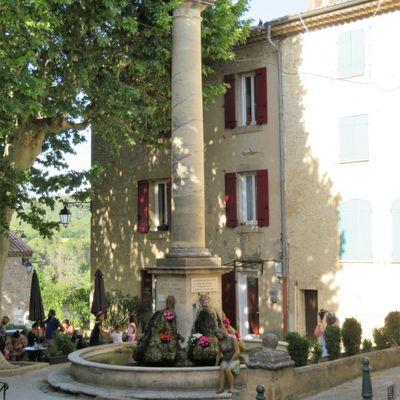 Le village de Mirabeau 2 / Balade dans le Vaucluse