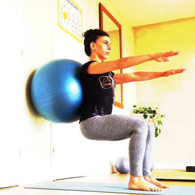 Squat avec Swiss Ball