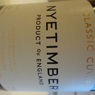 Angleterre - Classic Cuvée - Quality Sparkling Wine - Traditional Method -  NYETIMBER