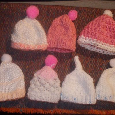 mini bonnets Innocent