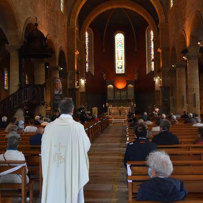 Diaporama de la 1ère messe dominicale déconfinée