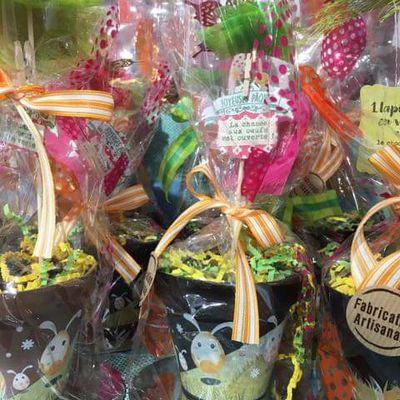 Des pots de fleurs en chocolat  ........