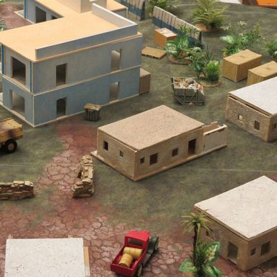 28 mm. Table Désert - Maisons afghanes