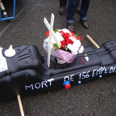 Les Ex-salariés d'Inergy LavaL (Groupe Plastic Omnium)devant la cour d'appel d'Angers...Cette audience a eu lieu le 24 avril 2018 à 14 heures