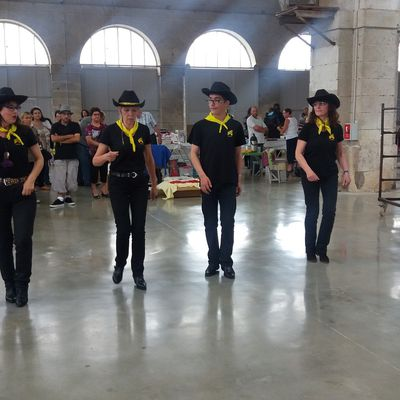 SCHERZO COUNTRY DANCERS : ANIMATION BROCANTE HALLE AU BLE 2016