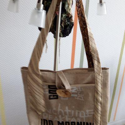 le sac à courses réalisé pour Colette