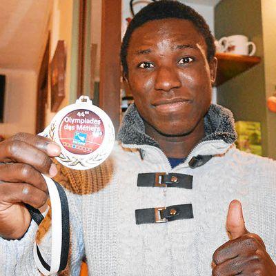 Sans papier : En Bretagne, le médaillé d'or régularisé.