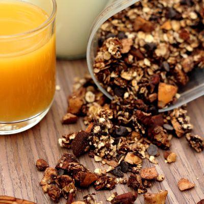 Muesli au chocolat, noisettes et noix de Pécan