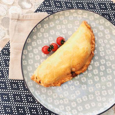 Empanadas aux légumes rôtis et poulet mariné