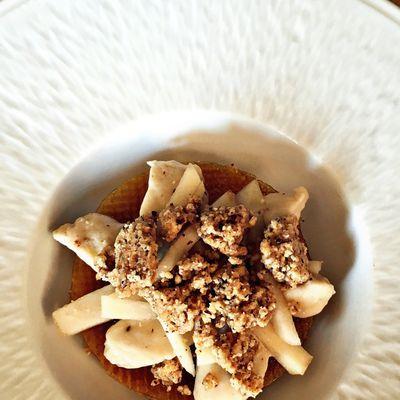 Pressé de poires - crème aux épices - streusel noisette