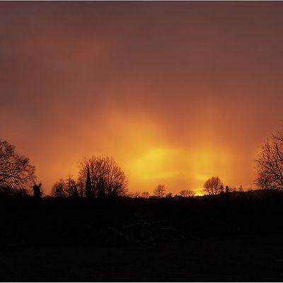 Crépuscule sous la pluie d'orage...