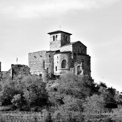 Prieuré de Saint-Romain-Le-Puy (42160 Loire)