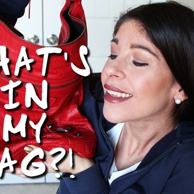 WHAT'S IN MY EVERYDAY BAG?!