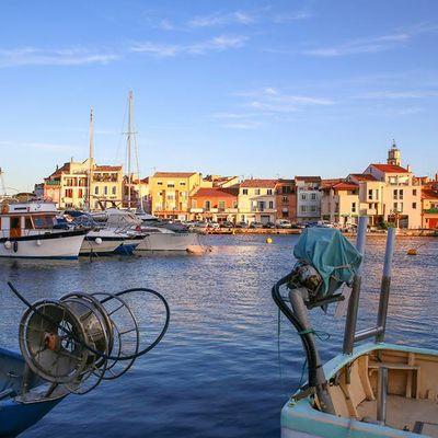 Guillaume Bottazzi : Preparation du support de la peinture sur l'Ile de Martigues