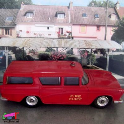 NASH RAMBLER CANADIAN FIRE CHIEFS DINKY TOYS 1/43