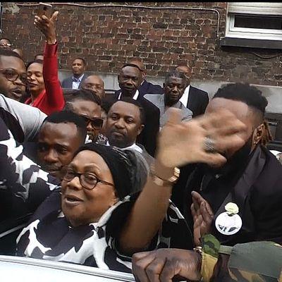 Adieu à E. Tshisekedi: Mama Marthe ovationnée à Bruxelles(sortie messe)