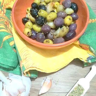 Olives marinées aux herbes de provence