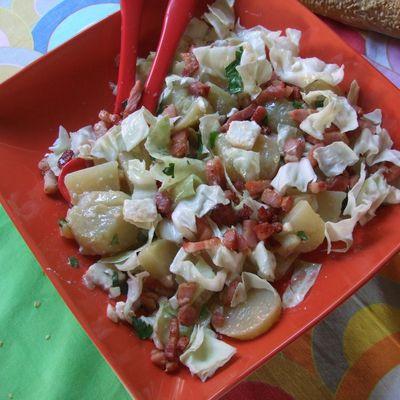 Salade de pommes de terre au chou .