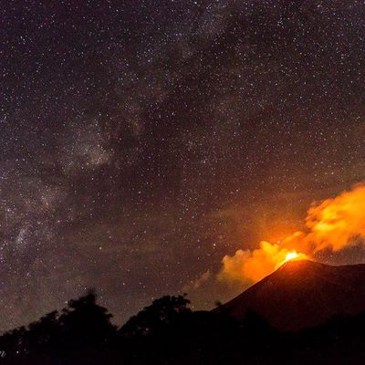 The eruptions at Fuego and Piton de La Fournaise continue