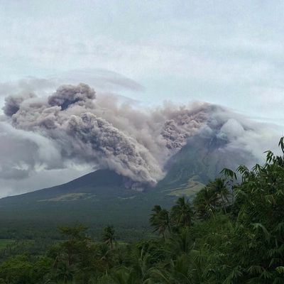 News from Mayon, Nevados de Chillan, Pacaya and Poas.