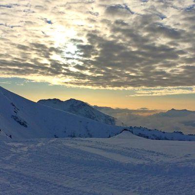 Ciel d'hiver en montagne