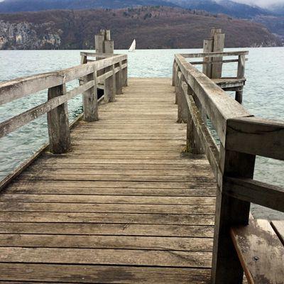 Le ponton sur le lac