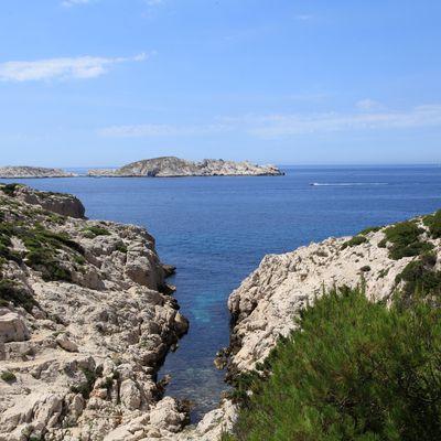 Randonnée dans les calanques de Marseille : des Goudes à Marseilleveyre