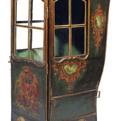 Une chaise à porteurs du XVIIIe siècle au Musée Borias à Uzès  Jean-Louis Libourel