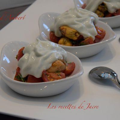 Tapas de moules/tomates avec son nuage de fourme d'Ambert