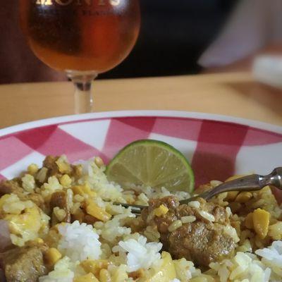 Curry de porc aux noix de cajou et citron vert