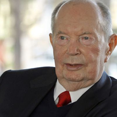 Jerry Perenchio Dies: Hollywood Dealmaker & Former Univision CEO Was 86