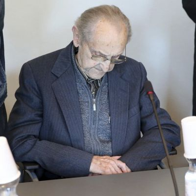 German court set to throw out case against Nazi guard as time runs short for Auschwitz trials