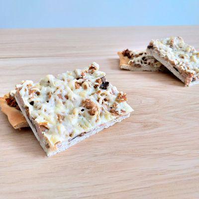Pizza blanche au thon et champignons