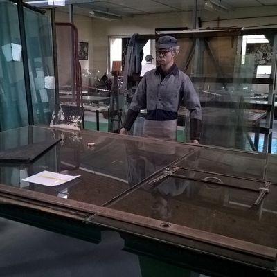 Reconstitution d'un poste de coupeur 1960 . Verrerie d'en Haut