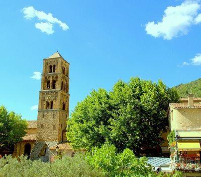 Moustiers Sainte Marie au nombre des plus beaux villages de France -  Alpes de Haute Provence