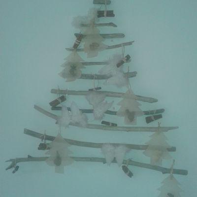Sapins de Noël en bois flotté : nouveaux modèles